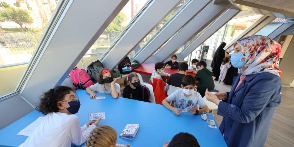 Çocuk Kütüphanesi'nde Atölye Çalışmaları Sürüyor